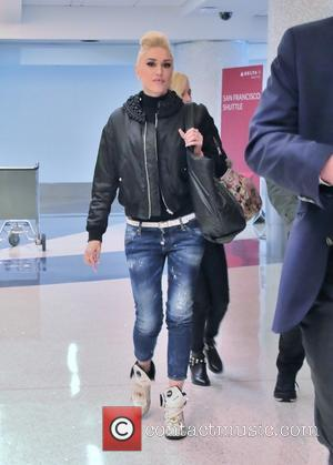 Gwen Stefani - Gwen Stefani arrives at Los Angeles International Airport (LAX) for a departing flight at LAX - Los...