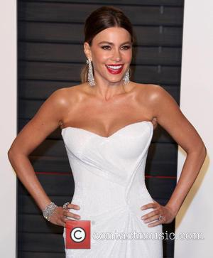Sofia Vergara Turns 44 With Lemon-themed Party