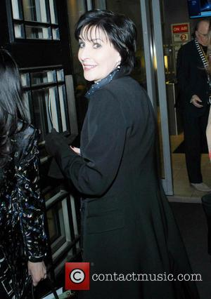Enya Pictures Photo Gallery Contactmusic Com
