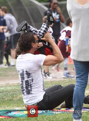 Gavin Rossdale , Apollo Rossdale - Gavin Rossdale enjoys an afternoon in the park with his three sons, Kingston, Zuma,...