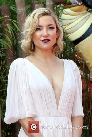 Kate Hudson Had Full Circle Moment On Mother's Day Set
