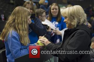 Atmosphere and Sue Barker