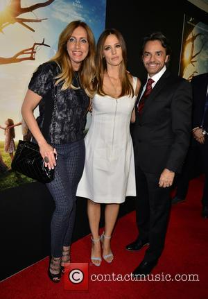 Lili Estefan, Jennifer Garner and Eugenio Derbez