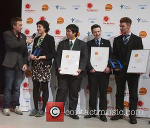 Dallas, Roxanne El-hady Winner Uk Young Scientist Of The Year, Stuart Chau, Ethan Dunbar Baker, Rogan Mcgilp and Winners Uk Young Engineers Of The Year 2016