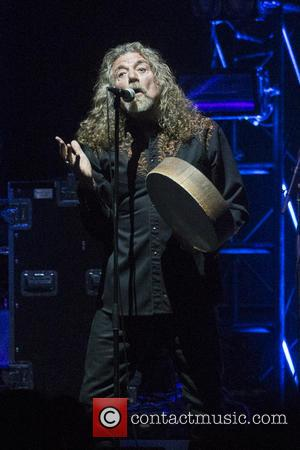 Robert Plant Performs Kashmir For The First Time Since Led Zeppelin Reunion
