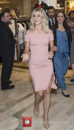 Julianne Hough - Julianne Hough Personal Appearance at Lord & Taylor at Lord & Taylor - New York, New York,...