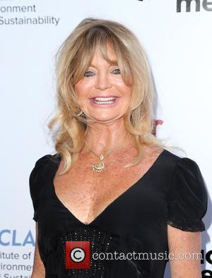 Goldie Hawn Teams Up With Amy Schumer For New Film