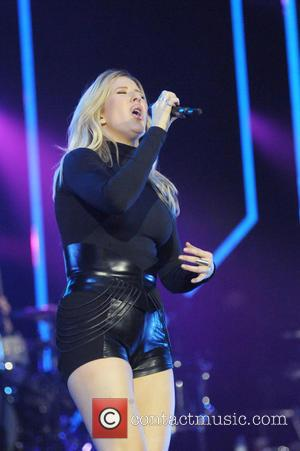 Ellie Goulding - Ellie Goulding performs at The O2 Arena at The 02 Arena - London, United Kingdom - Friday...