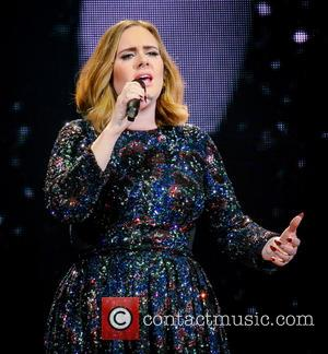 Adele 'Offers To Be A Surrogate' To Gay Couple