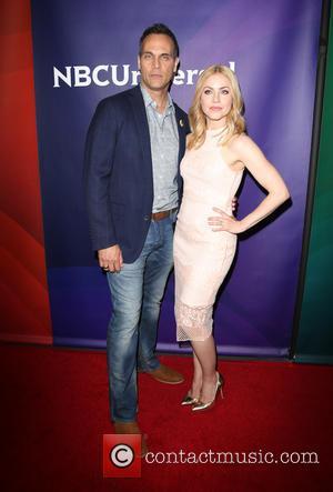 Todd Stashwick and Amanda Schull