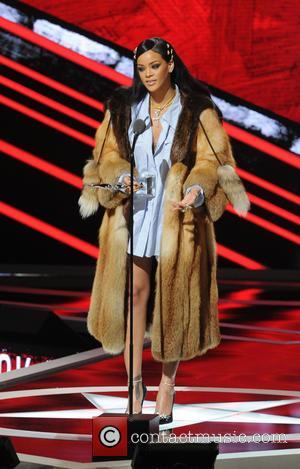 Rihanna's The Toast Of Texas After Bumper Bar Tip