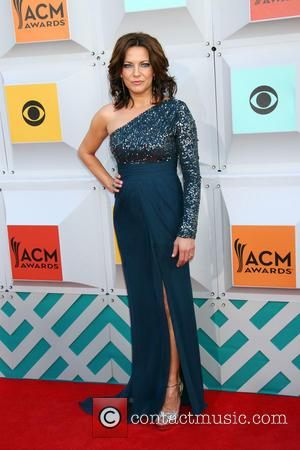 Martina Mcbride Mourning Death Of Father-in-law