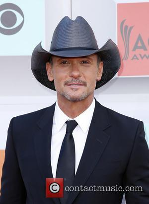 Tim Mcgraw & Carrie Underwood Are Big Winners At 2016 Cmt Music Awards