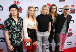 Ellington Ratliff, Rydel Lynch, Ross Lynch, Rocky Lynch, Riker Lynch and R5