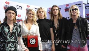Ellington Ratliff, Rydel Lynch, Ross Lynch, Rocky Lynch and Riker Lynch