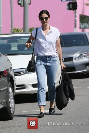 Lily Aldridge - Lily Aldridge shopping on Melrose - Atlanta, Georgia, United States - Tuesday 5th April 2016