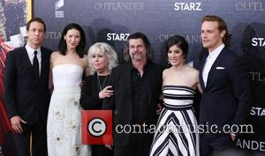 Tobias Menzies, Caitriona Balfe, Terry Dresbach, Ronald D. Moore, Maril Davis and And Sam Heughan
