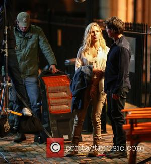 Tom Cruise and Annabelle Wallis