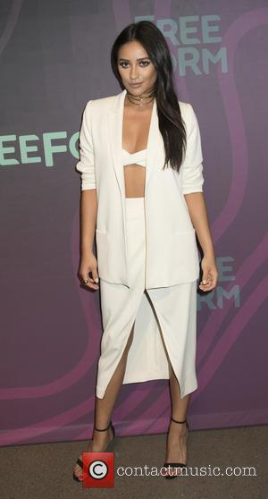 Shay Mitchell's Upside Down Beauty Boost