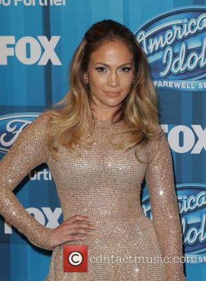 Jennifer Lopez Designs T-shirt Celebrating Curves
