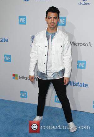 Joe Jonas: 'New Artists Should Embrace The Internet'