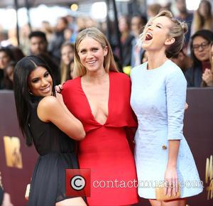 Chrissie Fit, Brittany Snow and Kelley Jakle
