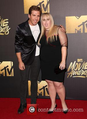 Hugh Sheridan and Rebel Wilson