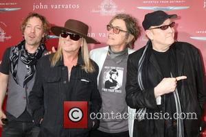 Robin Zander, Tom Petersson, Rick Nielsen, Daxx Nielsen and Cheap Trick