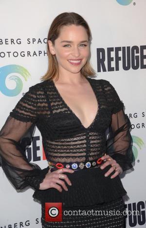Emilia Clarke Made Her Parents Watch Her Game Of Thrones Nude Scene