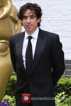 Stephen Mangan