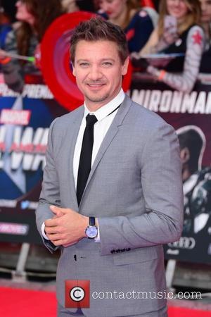 Jeremy Renner Wanted Hawkeye Killed Off In The Avengers