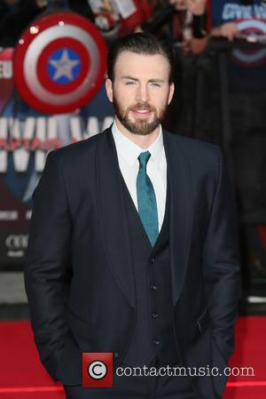 Chris Evans Denies Having Panic Attack At Fan Event