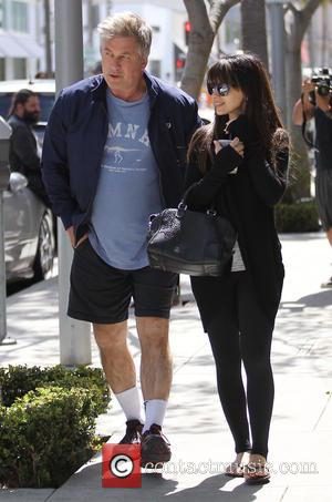 Alec Baldwin, Hilaria Baldwin , Hilaria Thomas - Alec Baldwin and Hilaria Baldwin go shopping in Beverly Hills - Los...