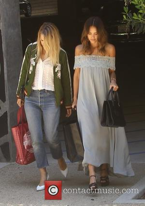 Jessica Alba - Jessica Alba out shopping on her birthday with a friend - Los Angeles, California, United States -...