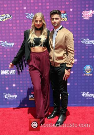 Veronica Dunne and Max Ehrich