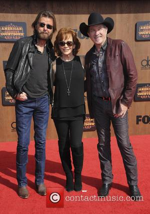 Kix Brooks, Ronnie Dunn and Reba Mcentire