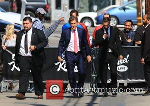 Dr. Mehmet Oz - Dr. Mehmet Oz in Hollywood for an appearance on 'Jimmy Kimmel Live!' at Hollywood - Los...