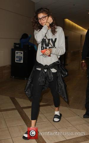 Zendaya - Zendaya arrives at Los Angeles International Airport - Los Angeles, California, United States - Tuesday 3rd May 2016