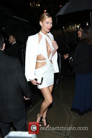 Karlie Kloss Cut Met Gala Dress After Wine Spill