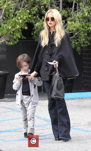 Rachel Zoe , Skyler Berman - Rachel Zoe takes her son Skyler shopping at XIV Karats in Beverly Hills -...