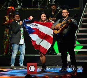 Carlos Vives, Edgar Rios, Mayda Belen, Quique Domenech and Tres