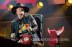Axl Rose Back On His Feet After Injury