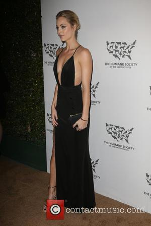 Laura Vandervoort - The Humane Society Of The United States' To The Rescue Gala at Paramount Studios - Hollywood, California,...