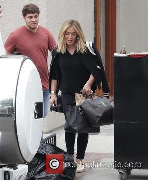 Hilary Duff - Hilary Duff leaves a hair salon in Beverly Hills - Los Angeles, California, United States - Tuesday...