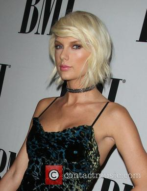New Photos Show Taylor Swift Has Moved On From Dj To The Next James Bond
