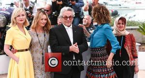 Kirsten Dunst, Vanessa Paradis, George Miller, Valeria Golino , Katayoon Shahabi - 69th Cannes Film Festival - Jury - Photocall...