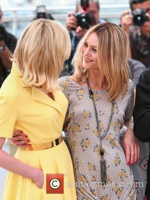 Kirsten Dunst and Vanessa Paradis