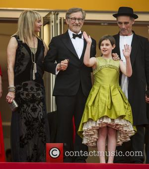 Kate Capshaw, Steven Spielberg, Ruby Barnhill and Mark Rylance