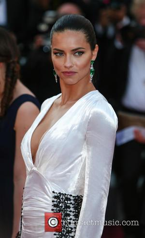 Adriana Lima Fuels Ryan Seacrest Romance With Another Dinner Date