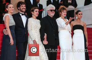 Pedro Almodovar, Emma Suarez, Adriana Ugarte, Inma Cuesta, Michelle Jenner and Daniel Grao